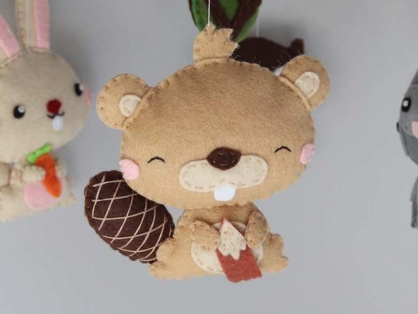 Baby mobile woodland animals theme, felt beaver