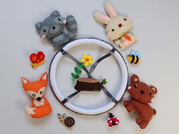 Baby mobile woodland animals theme
