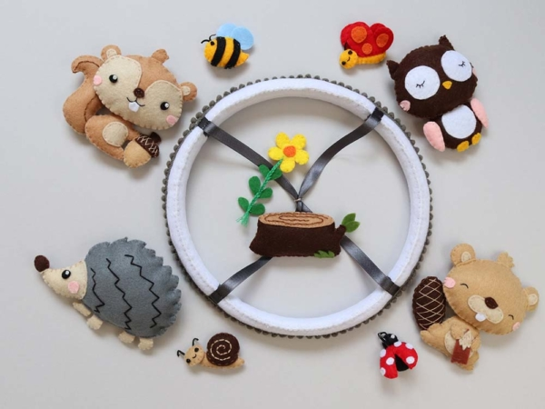 Baby mobile woodland animals theme